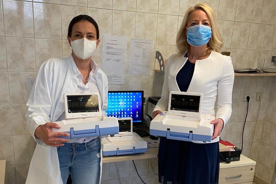 Porodilištu Dragiša Mišović isporučena tri CTG aparata koja su donirali Bebac i CORD iPS